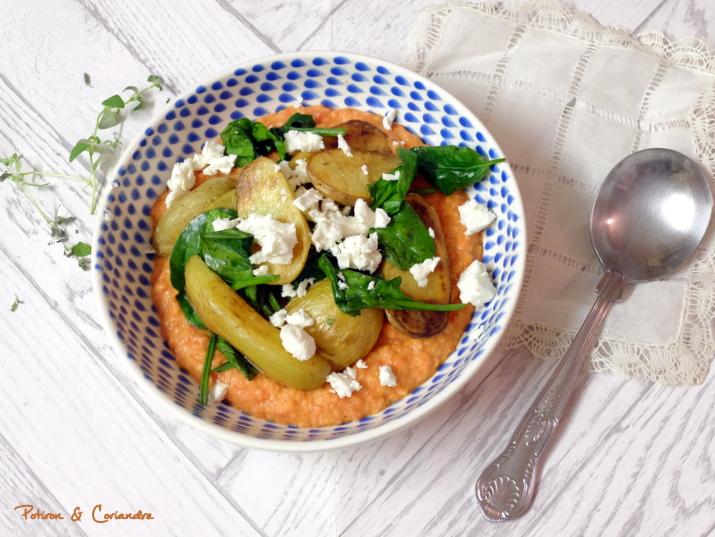 Pommes de terre rôties et purée de haricots blancs aux poivrons rôtis