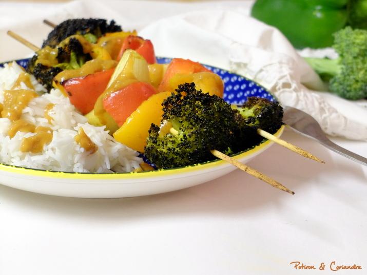 Brochettes de légumes grillés sauce satay