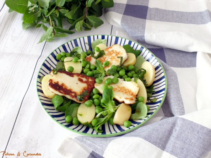 Salade de petits pois frais à l'halloumi