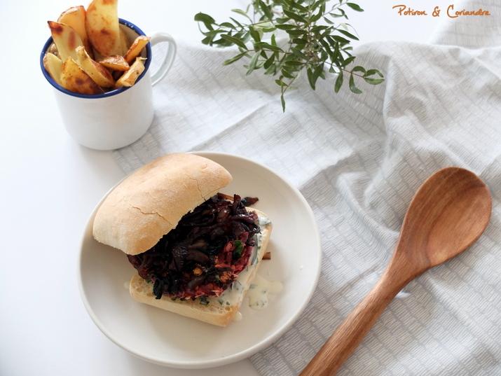 Burger végétarien à la betterave et mayo à l'estragon