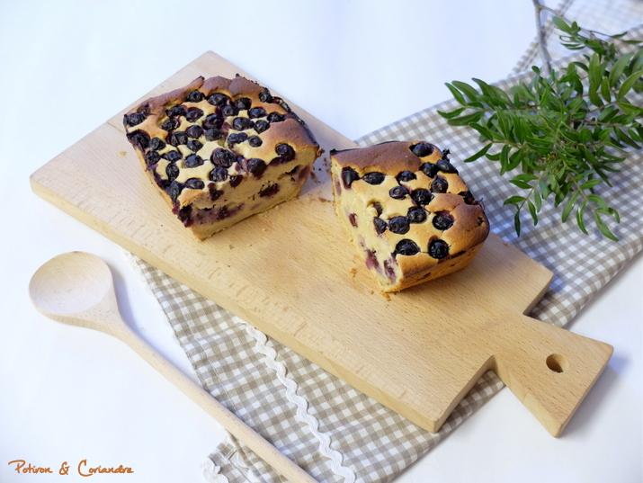 Cake aux myrtilles, citron et haricots blancs