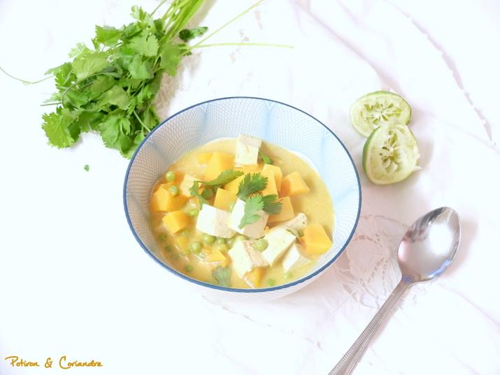 Curry de butternut, tofu et petits pois