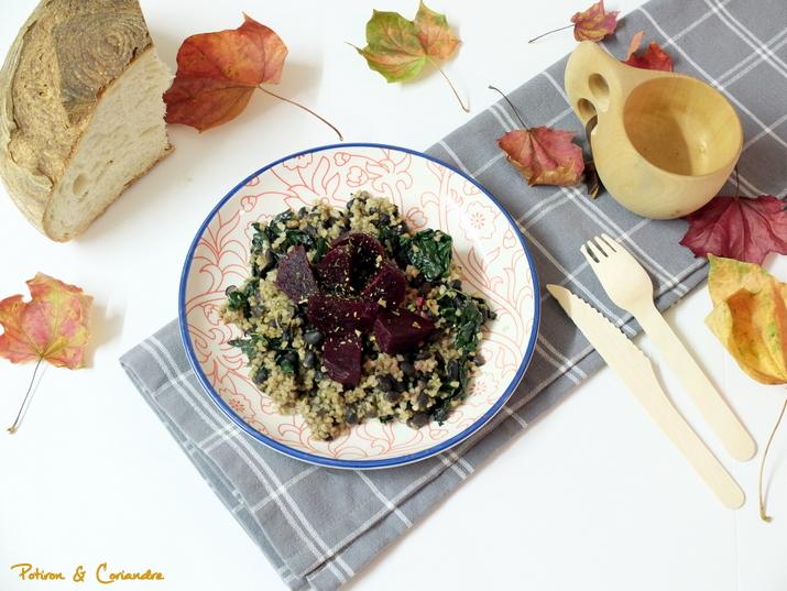 Salade aux betteraves, haricots noirs et boulgour