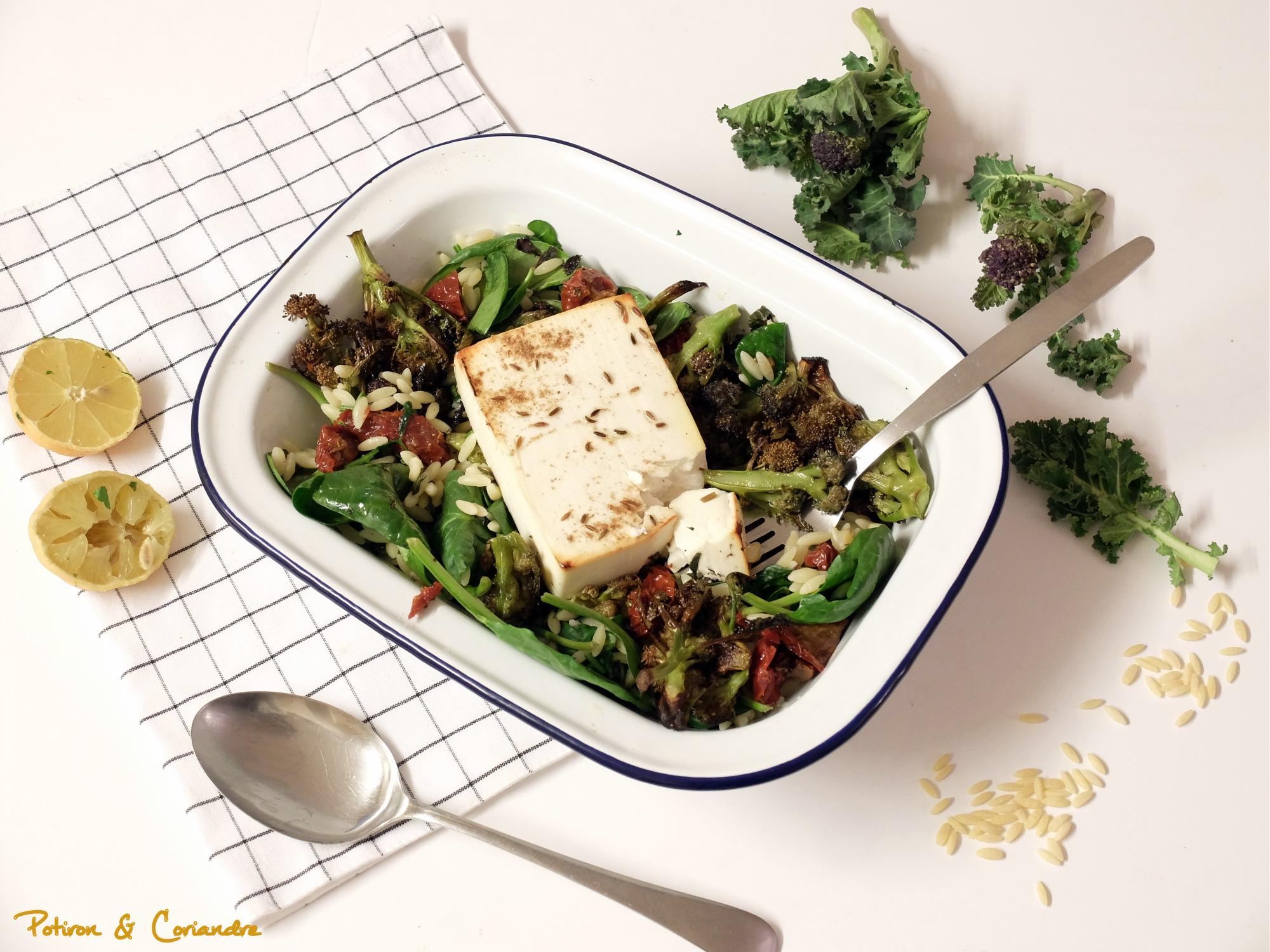 Salade d'orzo aux brocolis violets et feta rôtie