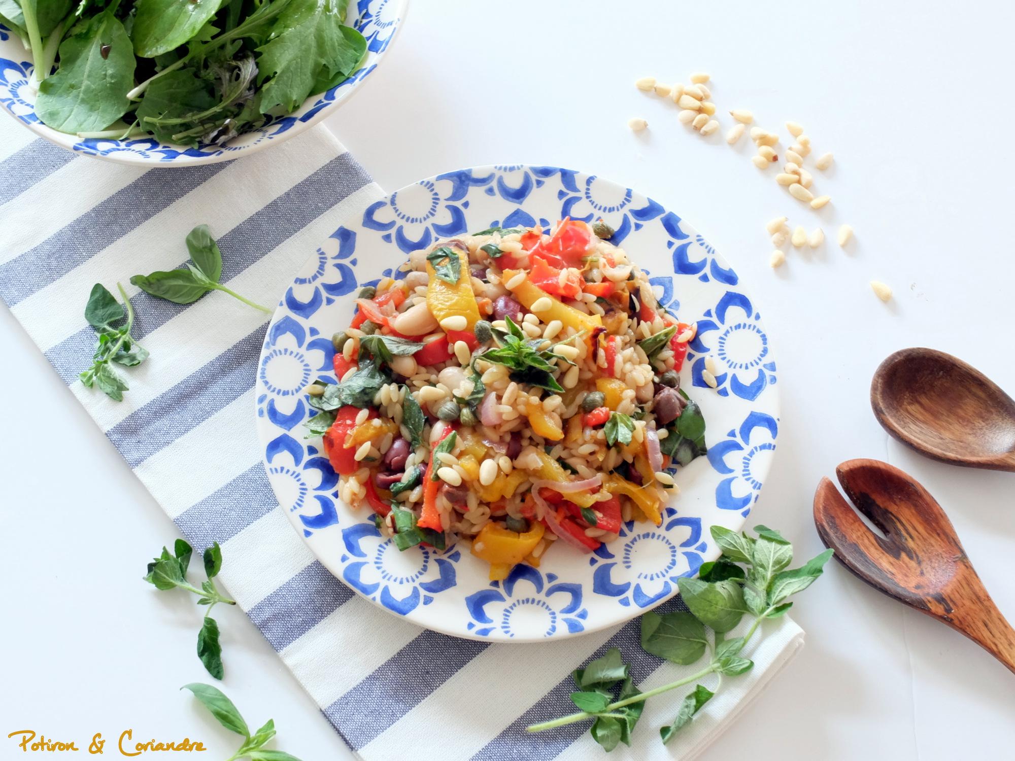 Salade d'orzo aux poivrons rôtis, basilic et origan