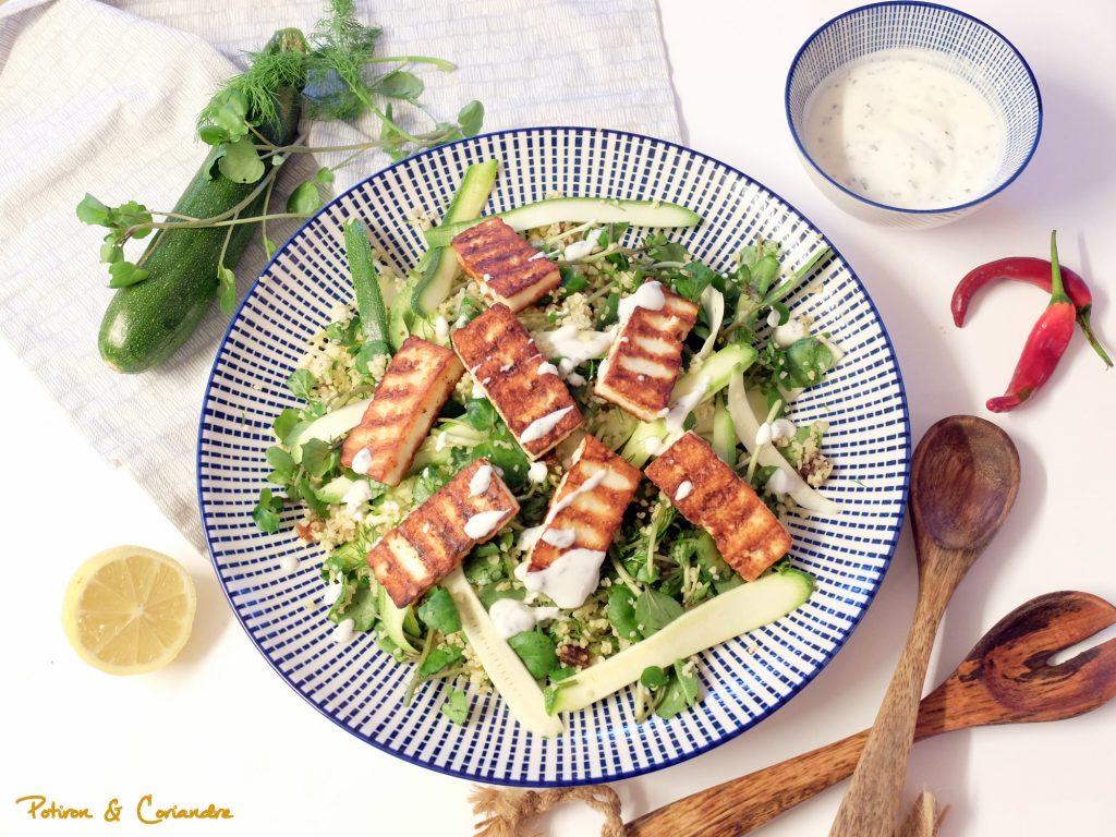 Boulghour, courgettes, halloumi et sauce au yaourt
