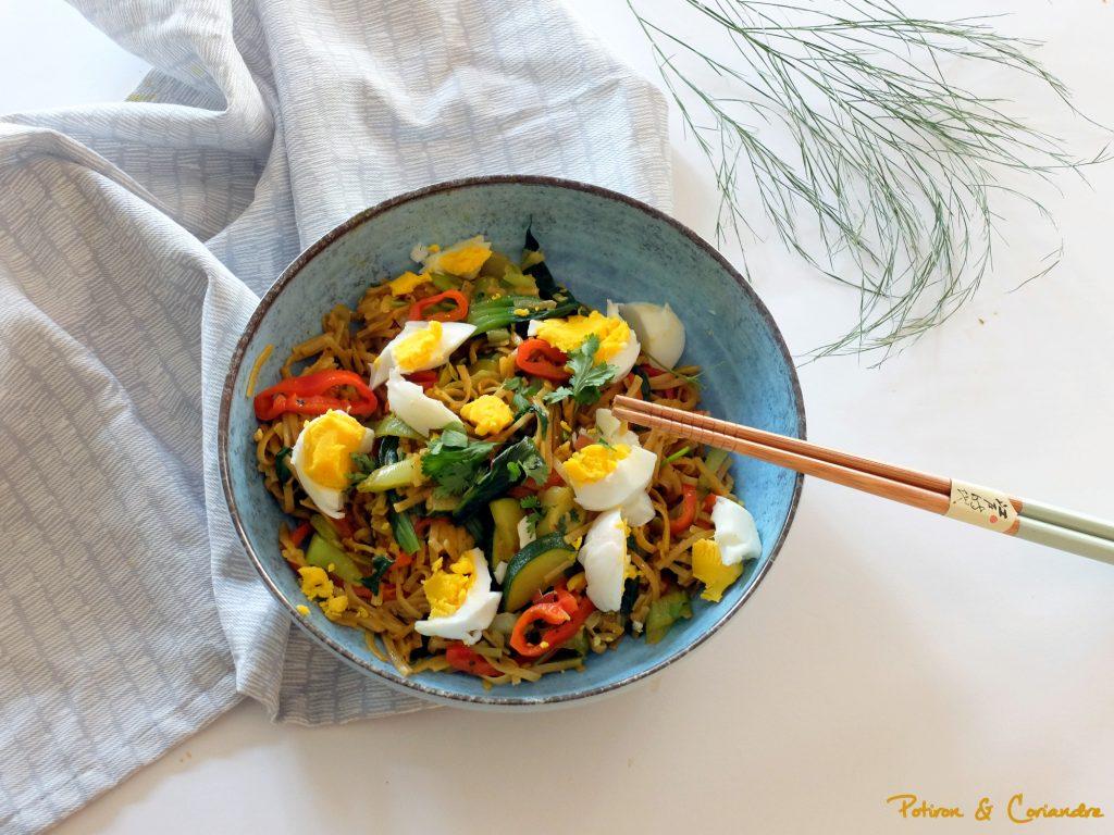 Nouilles de riz aux épices et oeufs